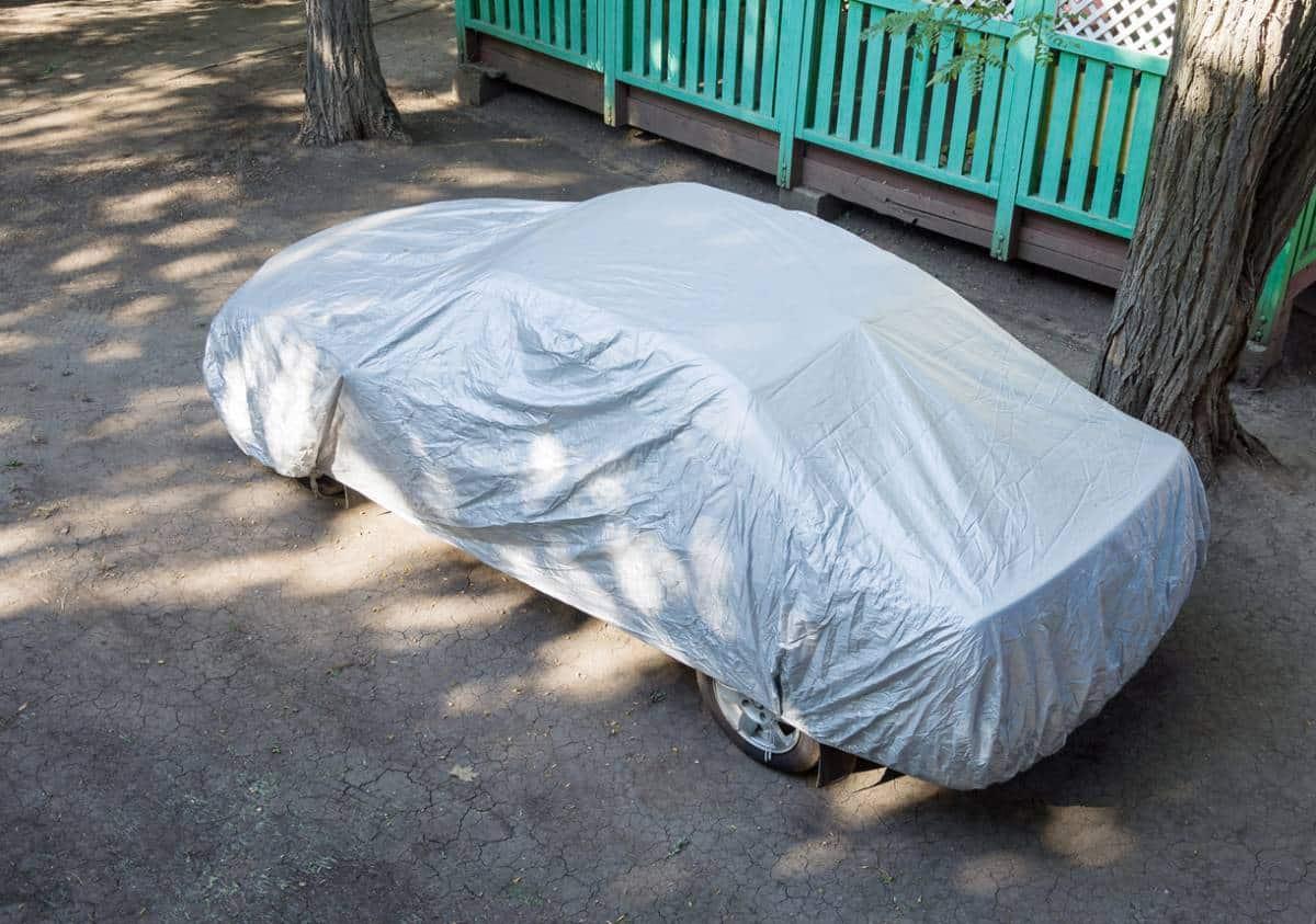 Comment prendre soin d'une voiture qui dort dehors ?