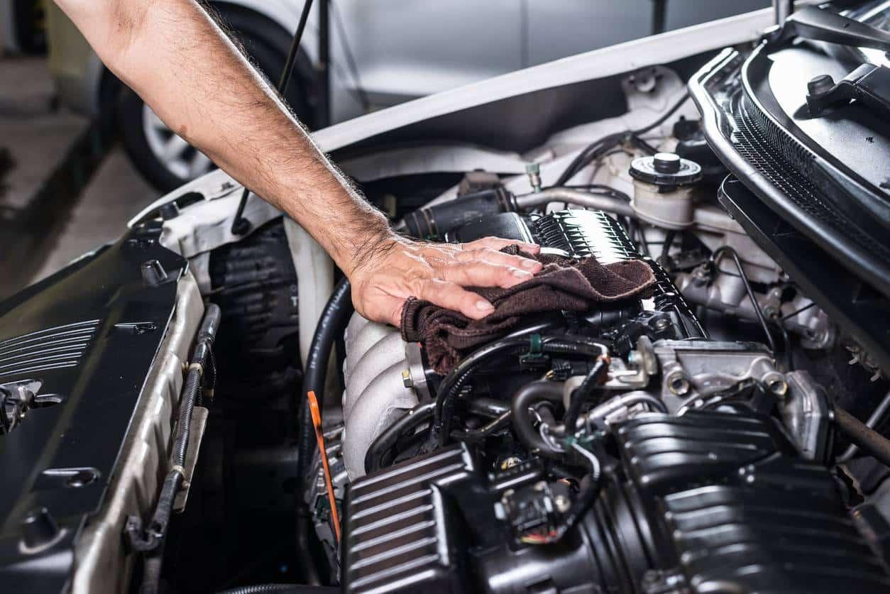 Entretenir son moteur de voiture de rallye